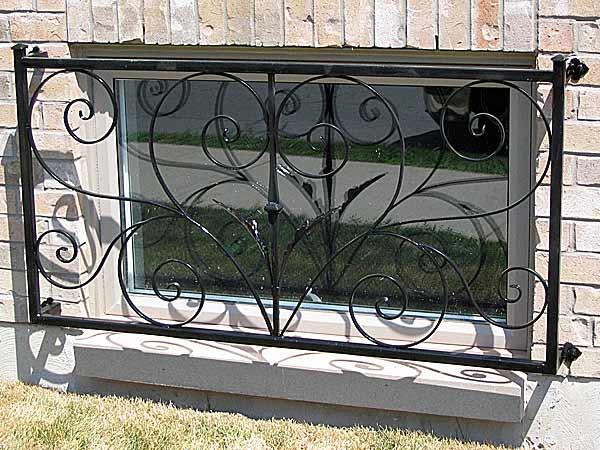 Galleria elleffefabbro - Grate in ferro battuto per finestre ...